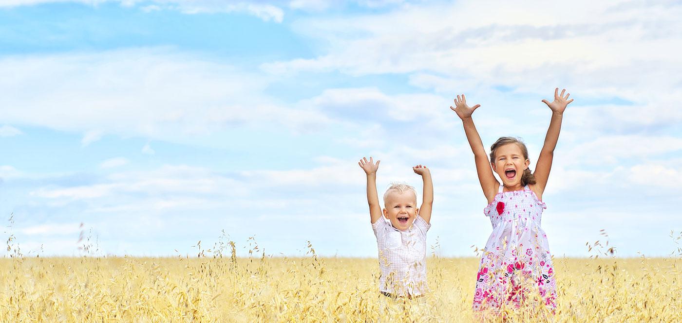 des-enfants-heureux-qui-inspirent-de-beaux-moments-de-bonheur