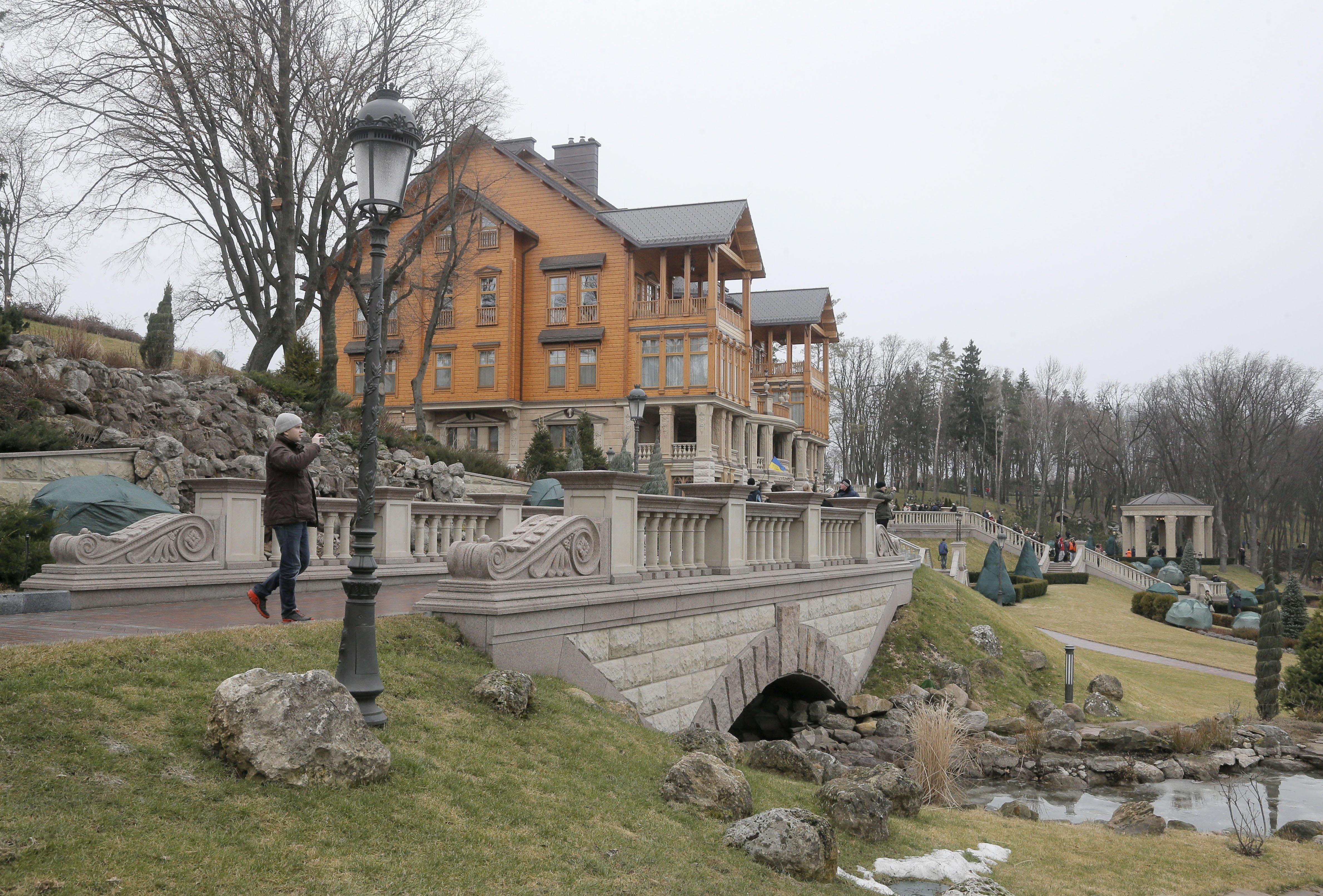 maison-de-yanukovych-20