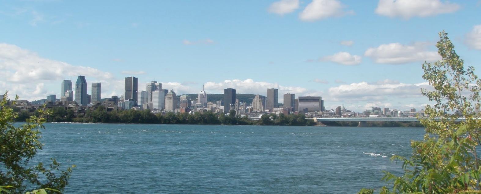 vue-de-montreal-depuis-la-rive-sud-2013