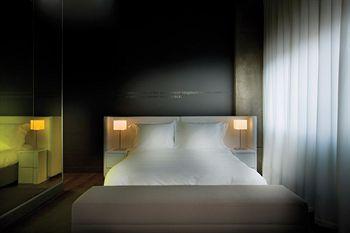 hotel-zero-1-3