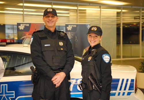 policiers-du-spvm-en-uniforme